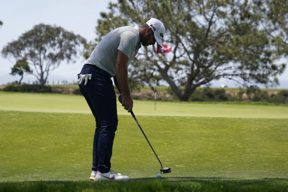 Matthew Wolff putts on the seventh green during the first round of the U.S. Open Golf Championship, Thursday, June 17, 2021, at Torrey Pines Golf Course in San Diego. (AP Photo/Gregory Bull)