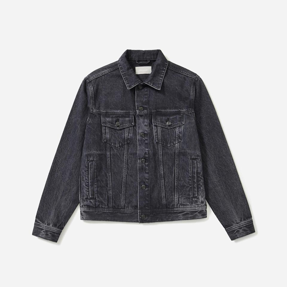 "<p><strong>everlane</strong></p><p>everlane.com</p><p><strong>$98.00</strong></p><p><a href=""https://go.redirectingat.com?id=74968X1596630&url=https%3A%2F%2Fwww.everlane.com%2Fproducts%2Fmens-denim-jacket-washed-black&sref=https%3A%2F%2Fwww.esquire.com%2Fstyle%2Fmens-fashion%2Fg35086246%2Feverlane-end-of-year-sale-2020%2F"" rel=""nofollow noopener"" target=""_blank"" data-ylk=""slk:Shop Now"" class=""link rapid-noclick-resp"">Shop Now</a></p>"