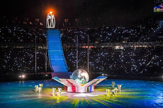 <p>The Olympic flame is seen in the cauldron during the closing ceremony of the Pyeongchang 2018 Winter Olympic Games at the Pyeongchang Stadium on February 25, 2018. / AFP PHOTO / Christof STACHE </p>