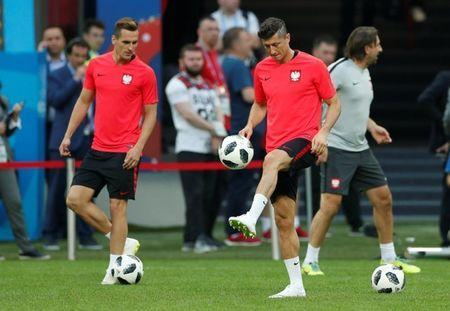 Soccer Football - World Cup - Poland Training - Kazan Arena, Kazan, Russia - June 23, 2018 Poland's Robert Lewandowski during training REUTERS/John Sibley