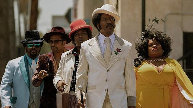 Eddie Murphy and co-stars in <em>Dolemite Is My Name</em>. (Photo: Netflix)