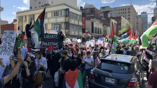Thousands of people demonstrated in downtown Montreal on Saturday as participants chanted pro-Palestinian slogans.