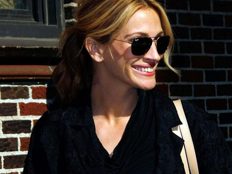 Julia Roberts Longtime Hairstylist Tells Us The Secret To
