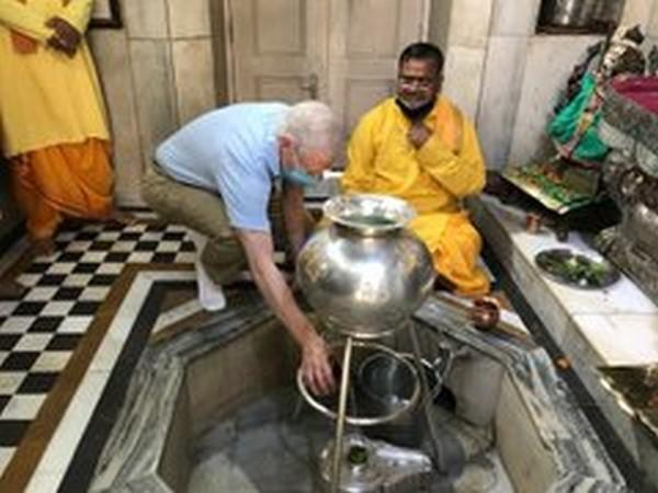 US Ambassador to India Kenneth Juster at the Chhatarpur Temple in New Delhi on Sunday. (Photo source: Kenneth Juster Twitter)