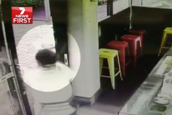 Mr Hu chased the would-be-thief with two EVEN bigger knives. Photo: 7 News.