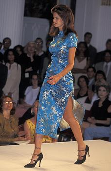 Stephanie Seymour walks the runway at the 1995 Victoria's Secret Fashion Show (Ron Galella, Ltd./WireImage)