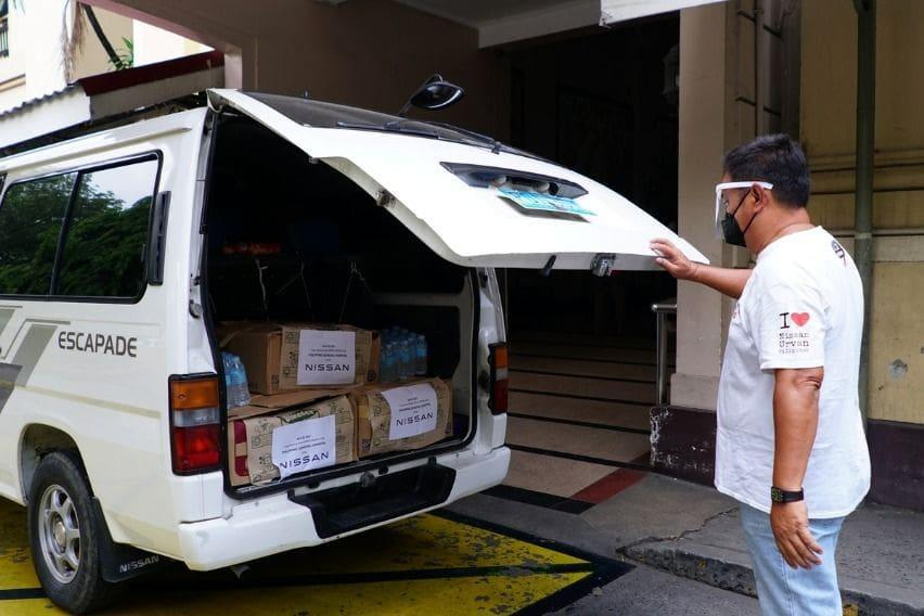 Nissan Urvan Pilipinas assisted in delivering the food to be donated to PGH