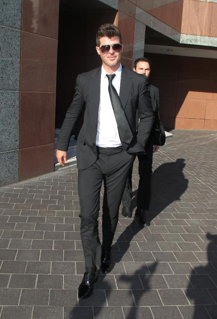 Musician Robin Thicke is seen outside the Roybal Federal Building on March 5, 2015, in Los Angeles, California (AFP Photo/David Buchan)