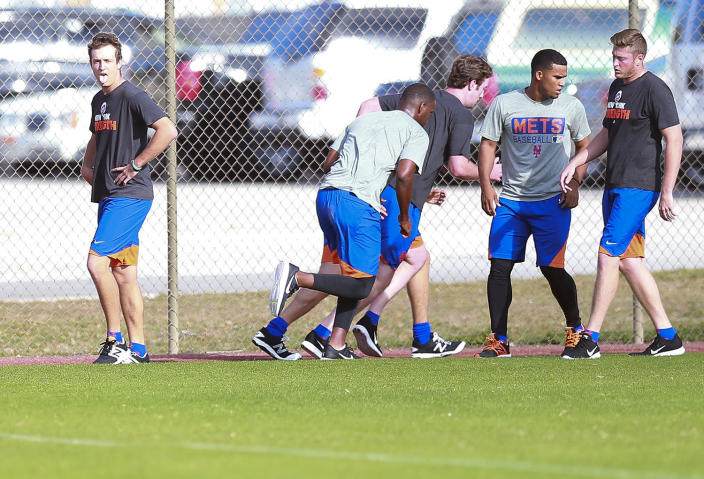 <p>A group of New York Mets minor leaguers enjoy an early-morning run at the Mets minor league complex at First Data Field in Port St. Lucie, Fla., Wednesday, March 1, 2017. (Gordon Donovan/Yahoo Sports) </p>