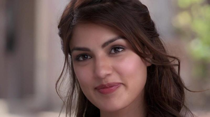 Sushant Singh Rajput Case: Rhea Chakraborty To Forward 'List Of People' To CBI Who Defamed Her In Media, Confirms Lawyer Satish Maneshinde