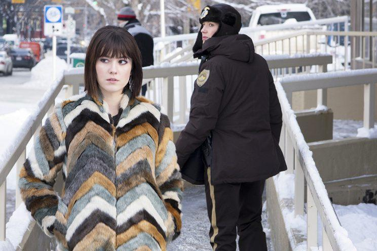 Mary Elizabeth Winstead as Nikki Swango, Carrie Coon as Gloria Burgle in FX's Fargo. (Credit: FX)