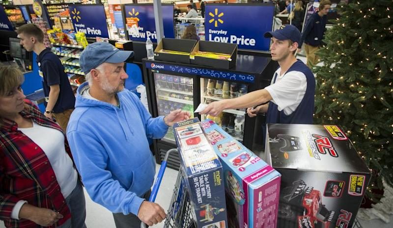 walmart after christmas sale 2016 store offering deep price cuts on electronics kitchen items the week after christmas - What Time Does Walmart Open Day After Christmas