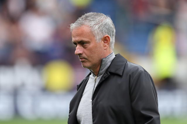 Mourinho durante a vitória do United contra o Burnley (James Williamson – AMA/Getty Images)