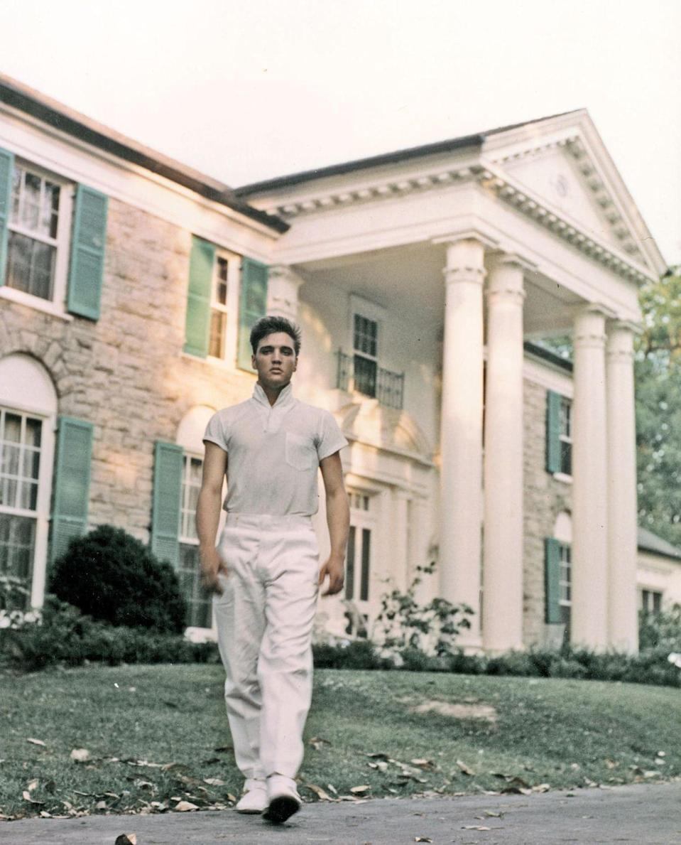 <p>Presley returned to his hometown of Memphis, Tennessee in 1957 and purchased his now famous mansion, Graceland. </p>