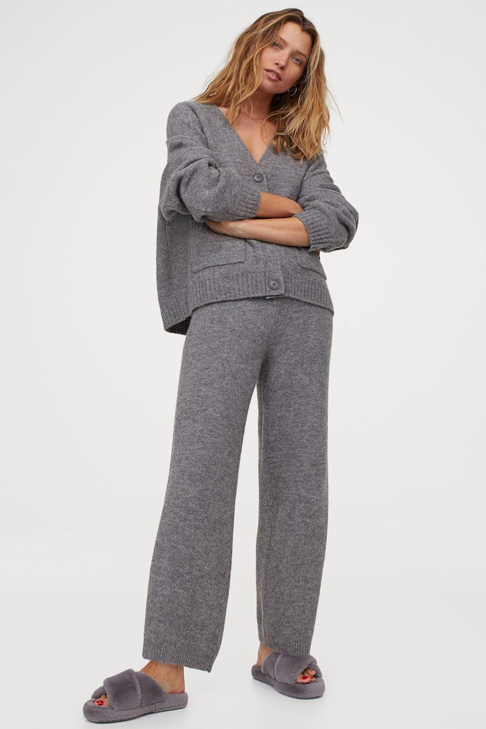 <p>Be sure to add these <span>Knit Pants</span> ($35) to your cart too.</p>