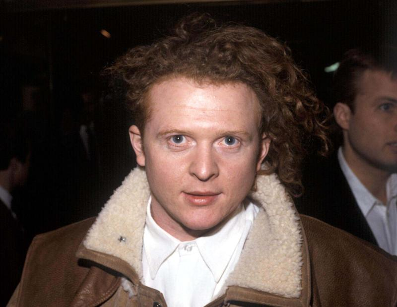British Pop Singer Mick Hucknall Lead singer of the group 'Simply Red', 1988. (Photo by Photoshot/Getty Images)