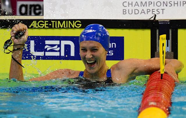 Great Britain's Jazmin Carlin celebrates winning the women's 800m Freestyle final of the 32nd LEN European Swimming Championships on August 21, 2014 in Berlin (AFP Photo/John MacDougall)