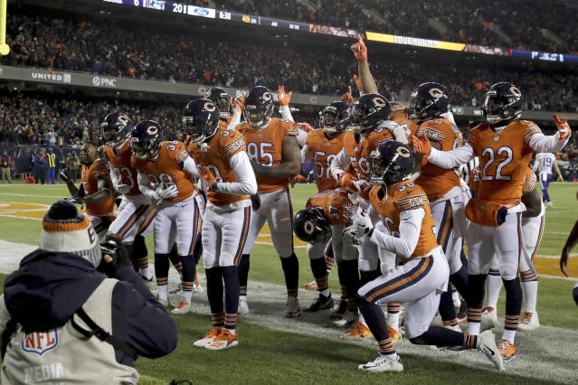 Chicago Bears free safety Eddie Jackson (39) celebrates with his teammates after an interception return for a touchdown. (AP)