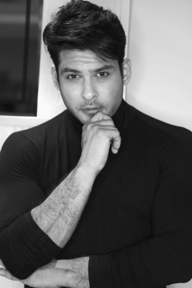 Winner of Bigg Boss 13, the actor charged <strong>9 lakhs per week</strong> for his stay in the house.