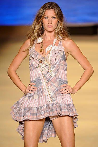 <p>Brazilian supermodel Bundchen shot to fame when she signed a deal with Victoria's Secret in 2000. By 2004, she became one of the highest paid models in the world.</p>