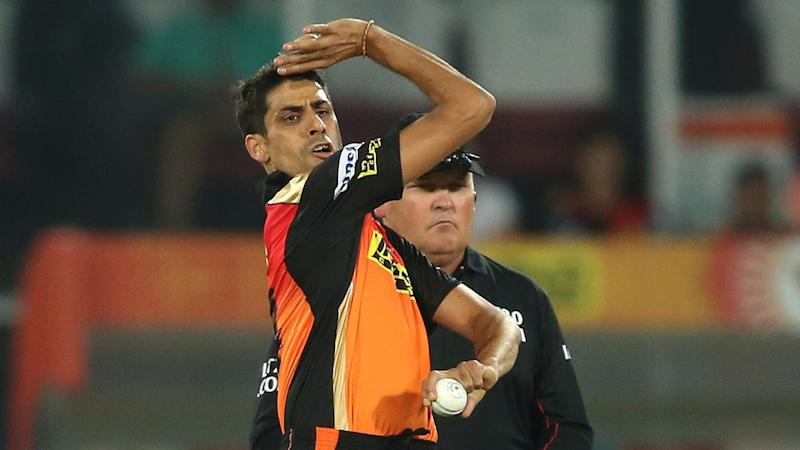 Have to be Mentally Strong to Bowl in Death Overs: Ashish Nehra