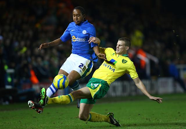 The former Peterborough United forward will move to the Bit O' Red on a temporary basis and joins from Premier League side West Ham