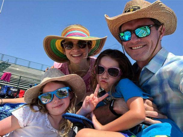 PHOTO: Kim O'Brien poses with her husband and their two daughters. (Kim O'Brien)