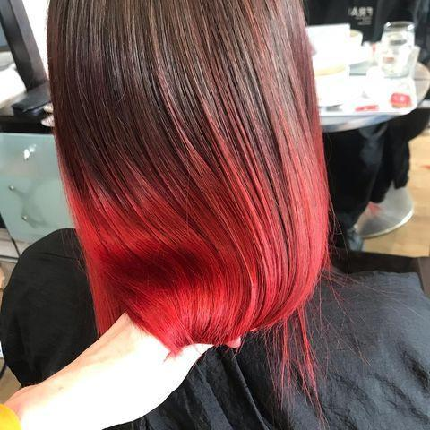 """<p>Taglio di capelli lunghi con dipped ends.</p><p><a href=""""https://www.instagram.com/p/B3aQ2lGh3vj/"""" rel=""""nofollow noopener"""" target=""""_blank"""" data-ylk=""""slk:See the original post on Instagram"""" class=""""link rapid-noclick-resp"""">See the original post on Instagram</a></p>"""