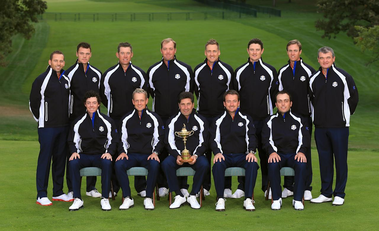 MEDINAH, IL - SEPTEMBER 25:  The European Team pose for an official photograph during the second preview day of The 39th Ryder Cup at Medinah Country Golf Club on September 25, 2012 in Medinah, Illinois.  (Photo by David Cannon/Getty Images)