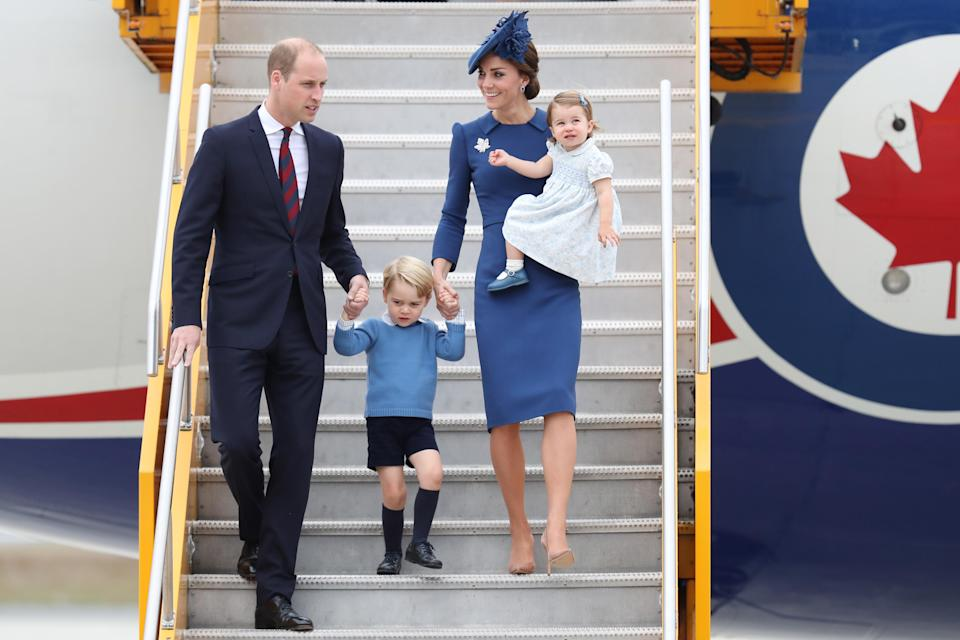 The Cambridge family arrive in Victoria in 2016. Image via Getty Images.