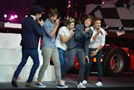 (L-R) Zayn Malik, Louis Tomlinson, Niall Horan, Harry Styles and Liam Payne of One Direction performs during the Closing Ceremony on Day 16 of the London 2012 Olympic Games at Olympic Stadium on August 12, 2012 in London, England. (Photo by Jeff J Mitchell/Getty Images)
