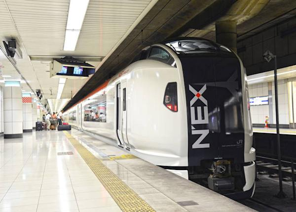 The Narita Express provides direct access from the city center (Sarunyu L / Shutterstock.com)