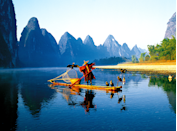 <p>Take a river cruise down the Li, which runs 85 kilometers through the region of Guangxi in southern China, for some of the country's most incredible scenery.</p>