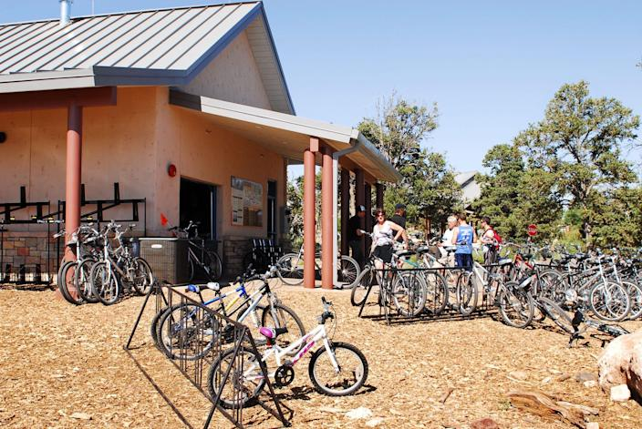 Located next to the Grand Canyon National Park Visitor Center (South Rim), bicycle rental services are operated by Bright Angel Bicycles and offers daily guided bicycle tours and a