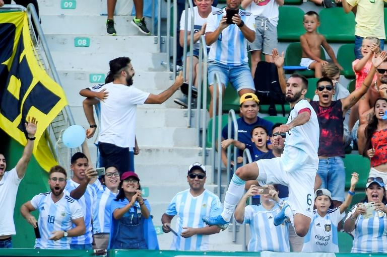 German Pezzella was one of six scorers for Argentina as they battered Ecuador
