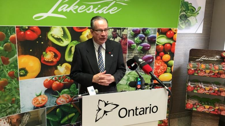 Province boots Ontario farmers from tomato pricing talks