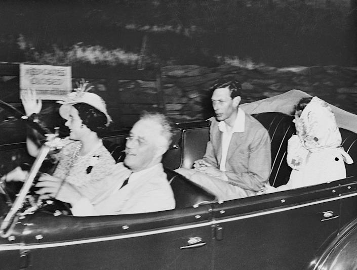 <p>In 1939, King George VI and his wife Queen Elizabeth (a.k.a. the Queen Mother) were chauffeured around New York by none other than President Franklin Delano Roosevelt and his daughter-in-law, Betsey. </p>