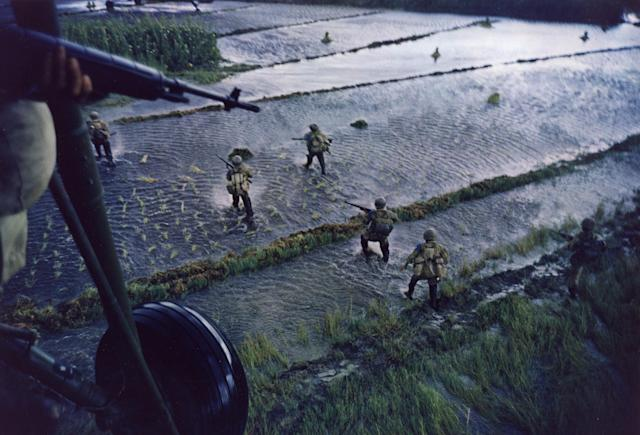 <p>Dropping of troops in support of the South Vietnamese, 1962, Mekong Delta, 1962. (Photograph by Larry Burrows) </p>