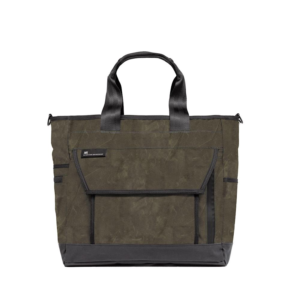 """<p><strong>Mission Workshop</strong></p><p>huckberry.com</p><p><a href=""""https://go.redirectingat.com?id=74968X1596630&url=https%3A%2F%2Fhuckberry.com%2Fstore%2Fmission-workshop%2Fcategory%2Fp%2F66477-500d-drift-tote-28l-exclusive&sref=https%3A%2F%2Fwww.menshealth.com%2Fstyle%2Fg37092193%2Fhuckberry-summer-sale-2021%2F"""" rel=""""nofollow noopener"""" target=""""_blank"""" data-ylk=""""slk:BUY IT HERE"""" class=""""link rapid-noclick-resp"""">BUY IT HERE</a></p><p><del>$265<br></del><strong>$225 (15% OFF)<br></strong></p><p>Those of you in search of a new tote to hold your things—whether they're daily work essentials or camping accessories—will see this bag as an investment. It's tough, durable and weather-resistant.<br></p>"""