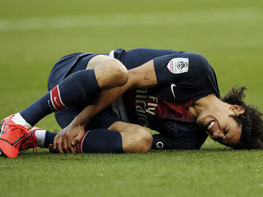 Ligue 1: PSG beat Bordeaux, but Edinson Cavani's injury causes headache for team before Manchester United clash