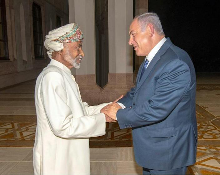 Israeli Prime Minister Benjamin Netanyahu met Qaboos in Muscat in October 2018 (AFP Photo/-)
