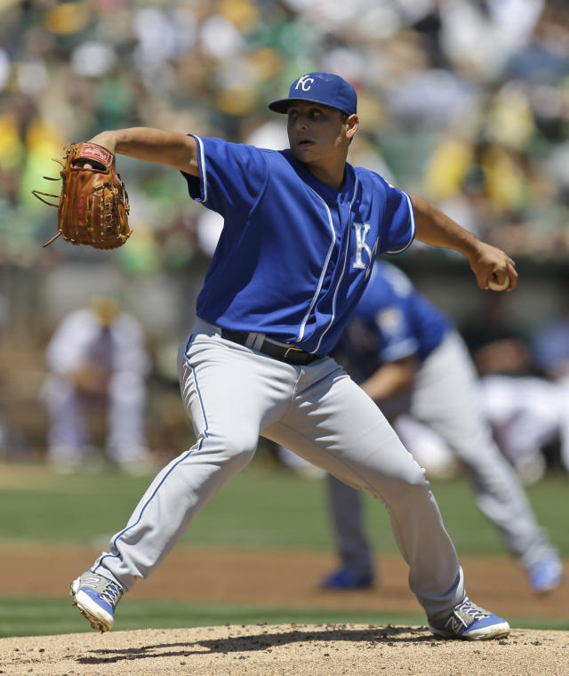 Kansas City Royals' Jason Vargas works against the Oakland Athletics in the first inning of a baseball game Saturday, Aug. 2, 2014, in Oakland, Calif. (AP Photo/Ben Margot)