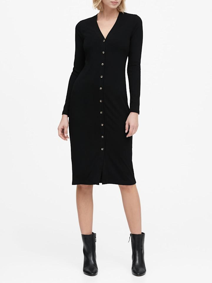 """<p>You can't go wrong with this <a href=""""https://www.popsugar.com/buy/Banana-Republic-Ribbed-Button-Down-Dress-540269?p_name=Banana%20Republic%20Ribbed%20Button-Down%20Dress&retailer=bananarepublic.gap.com&pid=540269&price=99&evar1=fab%3Auk&evar9=47110375&evar98=https%3A%2F%2Fwww.popsugar.com%2Ffashion%2Fphoto-gallery%2F47110375%2Fimage%2F47110382%2FBanana-Republic-Ribbed-Button-Down-Dress&list1=shopping%2Cbanana%20republic%2Cdresses%2Ceditors%20pick%2Cwinter%20fashion%2Cfashion%20shopping&prop13=api&pdata=1"""" rel=""""nofollow"""" data-shoppable-link=""""1"""" target=""""_blank"""" class=""""ga-track"""" data-ga-category=""""Related"""" data-ga-label=""""https://bananarepublic.gap.com/browse/product.do?pid=536606012&amp;cid=1095082&amp;pcid=69883&amp;vid=1&amp;grid=pds_35_783_1#pdp-page-content"""" data-ga-action=""""In-Line Links"""">Banana Republic Ribbed Button-Down Dress</a> ($99) in a classic black shade.</p>"""