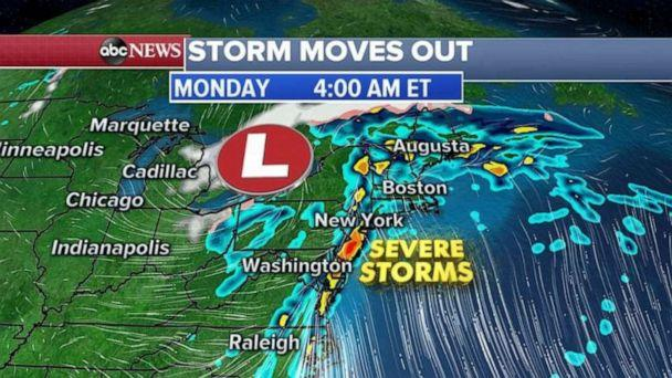 PHOTO: The East Coast storm began moving farther east very early Monday morning. (ABC News)