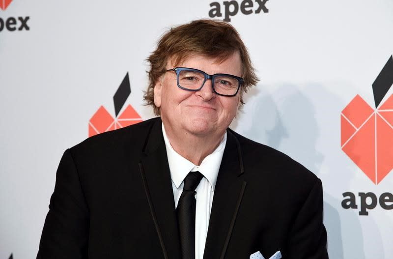 """Filmmaker Michael Moore will attend Vancouver film fest to mark """"Roger and Me"""""""