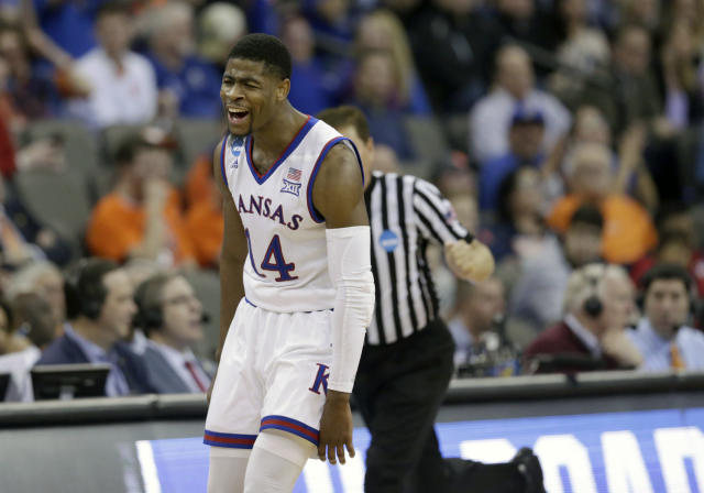 "Kansas' <a class=""link rapid-noclick-resp"" href=""/ncaab/players/131368/"" data-ylk=""slk:Malik Newman"">Malik Newman</a> had 32 points against Duke, including all 13 of the Jayhawks' points in overtime. (AP Photo/Nati Harnik)"