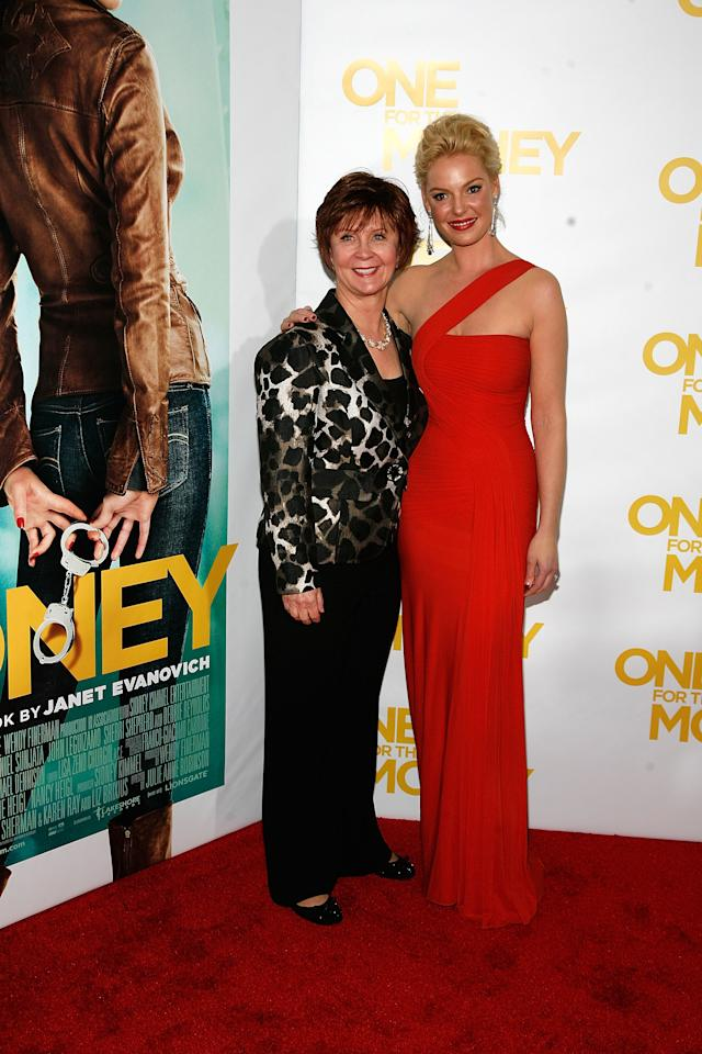 "NEW YORK, NY - JANUARY 24:  (L to R) Janet Evanovich and Katherine Heigl attend the ""One for the Money"" premiere at the AMC Loews Lincoln Square on January 24, 2012 in New York City.  (Photo by Andy Kropa/Getty Images)"