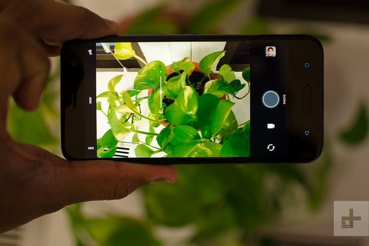 HTC U11 Life review camera