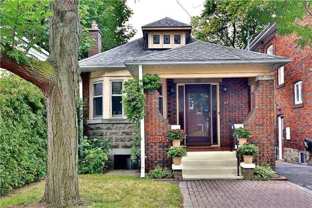 <p><span>37 Mayfield Ave., Toronto, Ont.</span><br> Location: Toronto, Ontario<br> List Price: $989,000<br> (Photo: Zoocasa) </p>