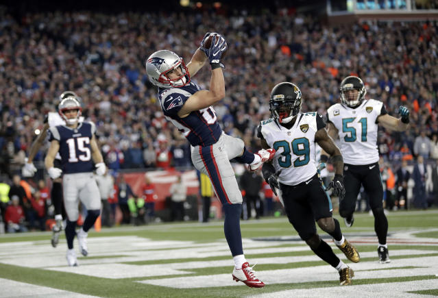 New England Patriots wide receiver Danny Amendola catches a fourth-quarter touchdown pass in the AFC championship. (AP)
